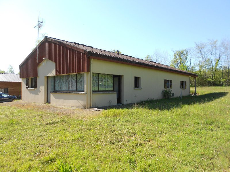 3455FPM - Warehouse converted into accommodation approx. 54 m², Outbuildings - 5200 sqm.
