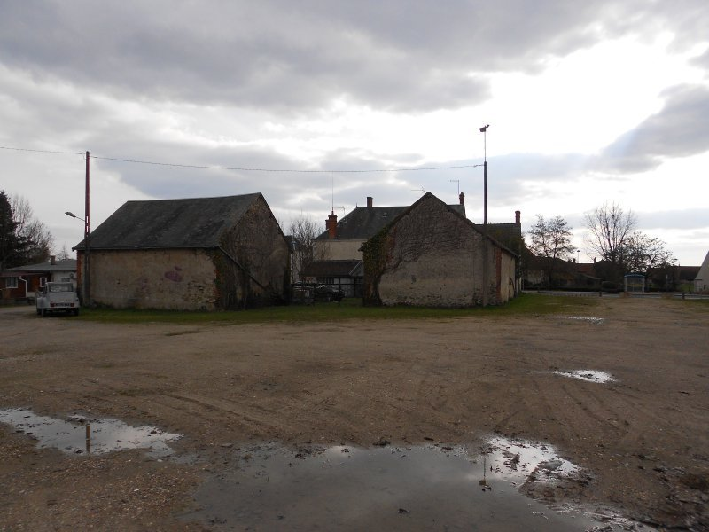 3322FPM style farm house to renovate - 5 minutes Vierzon