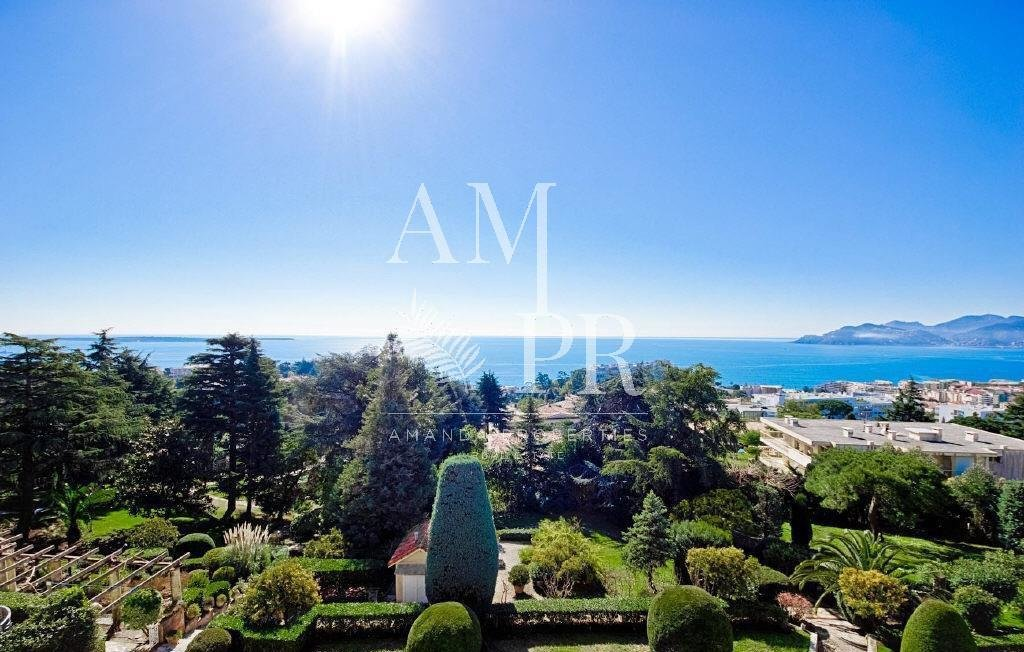 PANORAMIC SEA VIEW APPARTEMENT IN CANNES