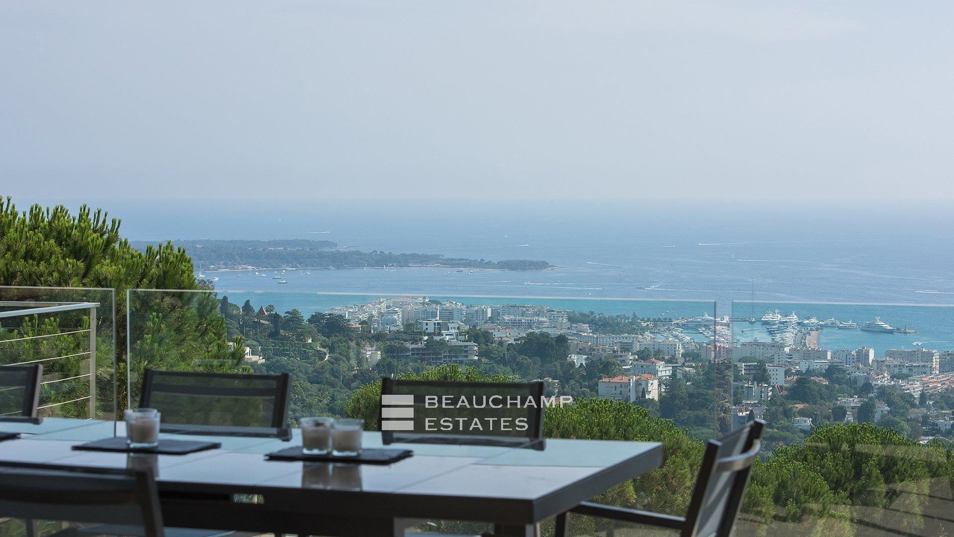 Contemporary 6 Bedroom Villa in Cannes Californie