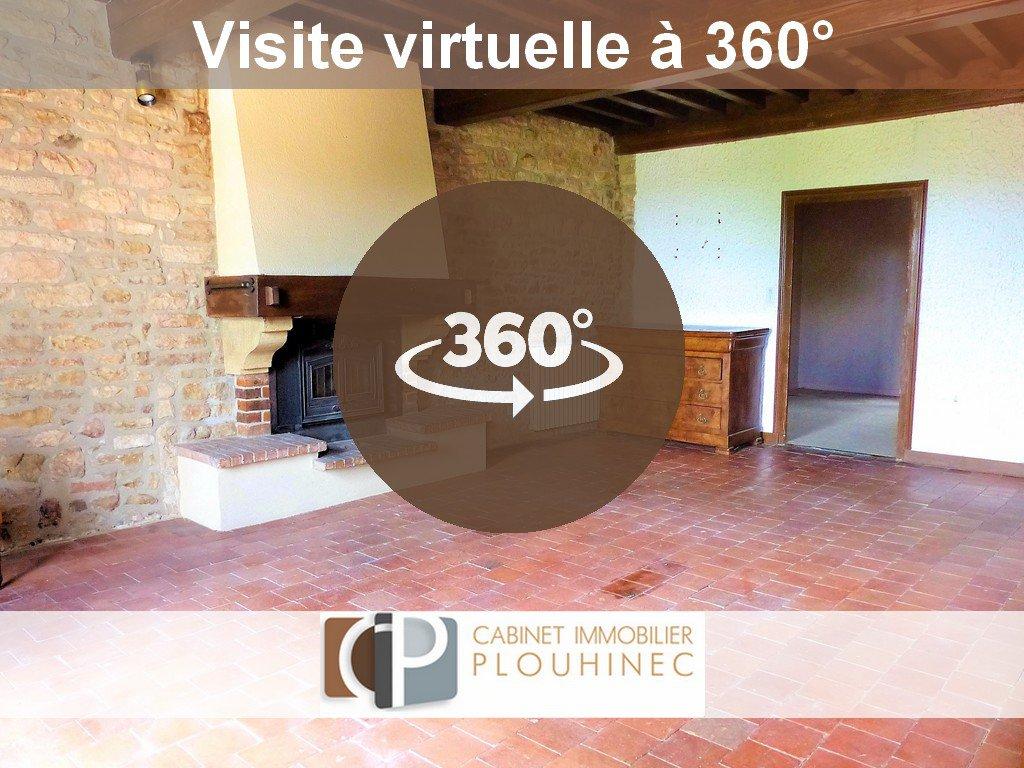20 mn de Mâcon, au sein du village de Lugny, maison de caractère à rénover. Elle se compose, en rez de chaussée, d'une salle à manger avec cuisine aménagée, salle de bain, wc et chaufferie. A l'étage, magnifique séjour de 36.5 m² avec très belle cheminée et murs en pierre donnant énormément de charme à la pièce. Côté nuit, la maison dispose d'une chambre de plus de 20 m² avec point d'eau et wc, d'un bureau et d'une seconde chambre de 14.6 m². Attenant à la maison, grand garage de  37 m² et atelier  de 45 m².  Le plus de cette maison de village: à 5 mètres de la maison, qui est située dans une impasse, jardinet clôt de 180 m² avec maisonnette en pierre. Aucune nuisances, très belle vue sur les monts environnants, cachet, potentiel etc... Beaucoup d'atouts pour cette maison coup de c?ur !! A visiter sans tarder! Honoraires à charge vendeurs.