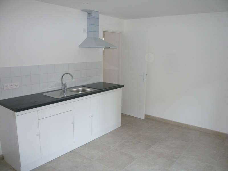 Recent apartment on the 1st floor of type 2 comprising a bedroom, a kitchen / living room, a bathroo
