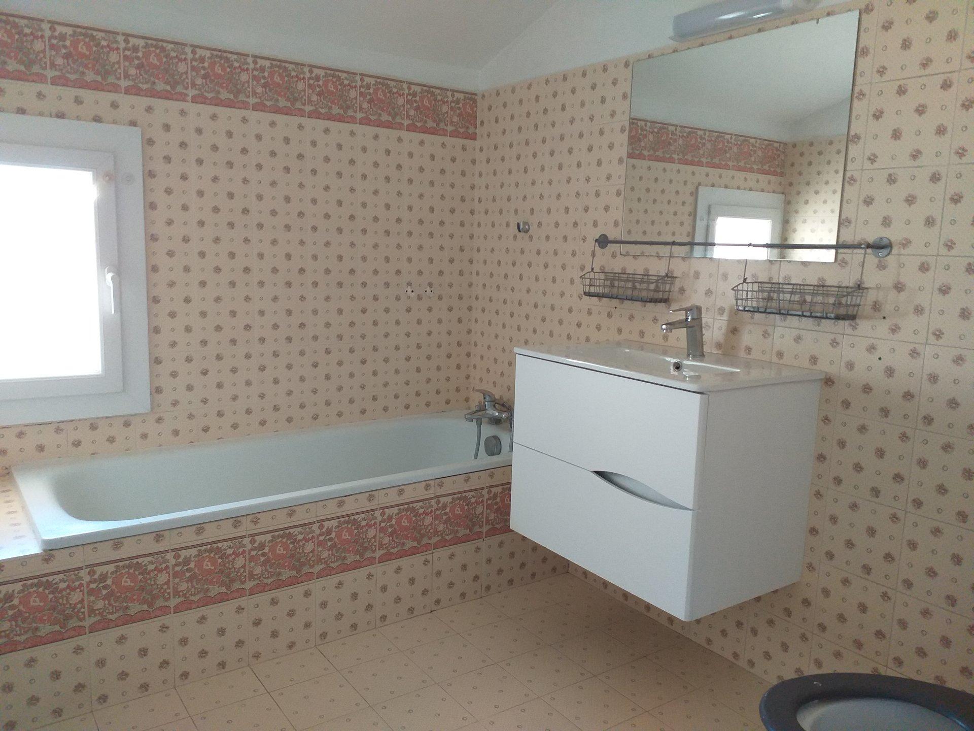 Eyragues center type 3 duplex apartment with 2 bedrooms, a kitchen, a living room, ...