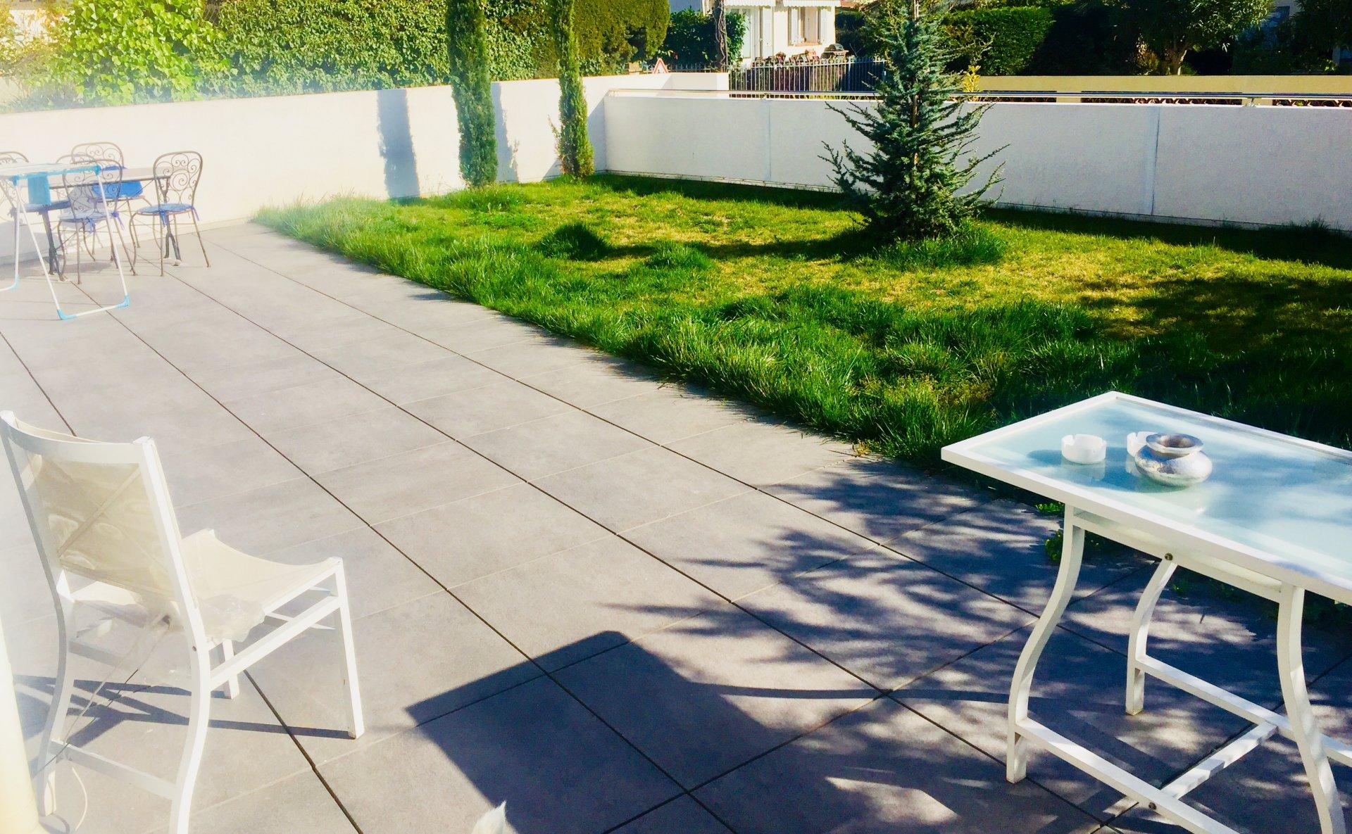 Cagnes Béal   Villa 4 P.de 86 m2 centre ville