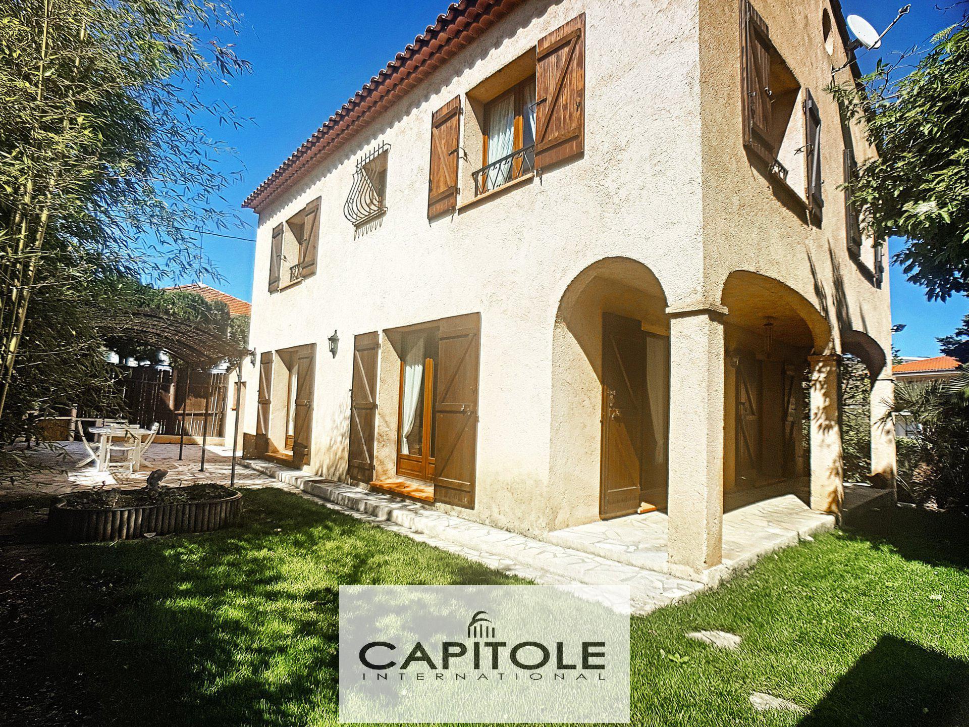 Villa récente 6 pieces 165m², Cannes proche centre sud ouest calme garage