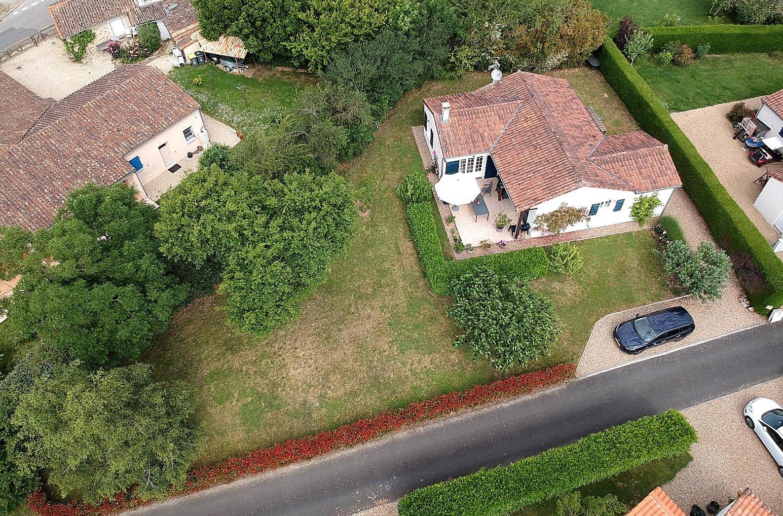 Deux-Sevres (79), golf Les Forges: bungalow in a quiet spot