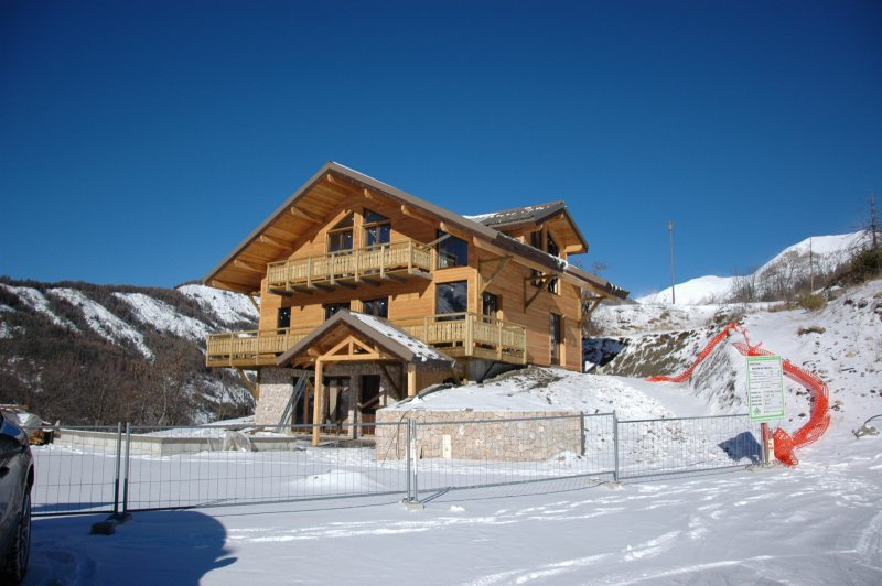 Allos 1500 - Chalets - € 3,000 / m2