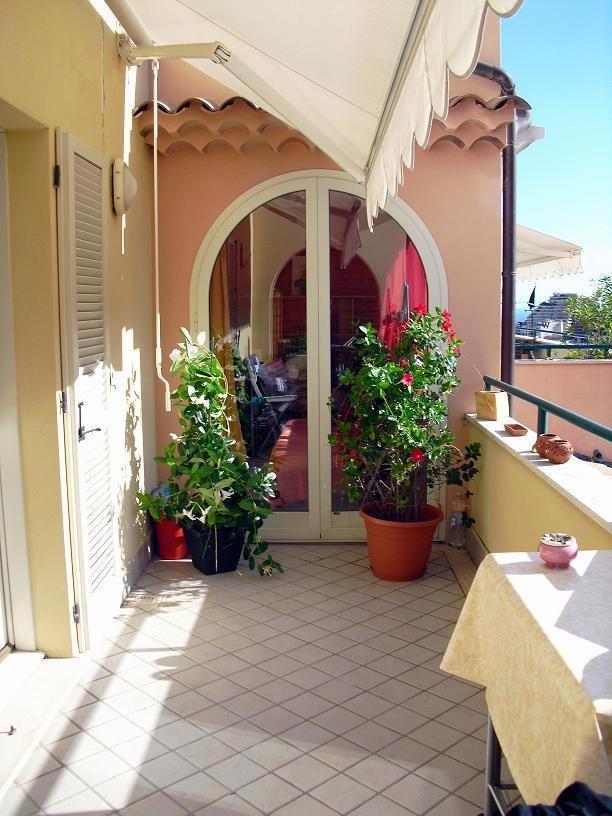 Beausoleil - 2 Rooms € 279,000