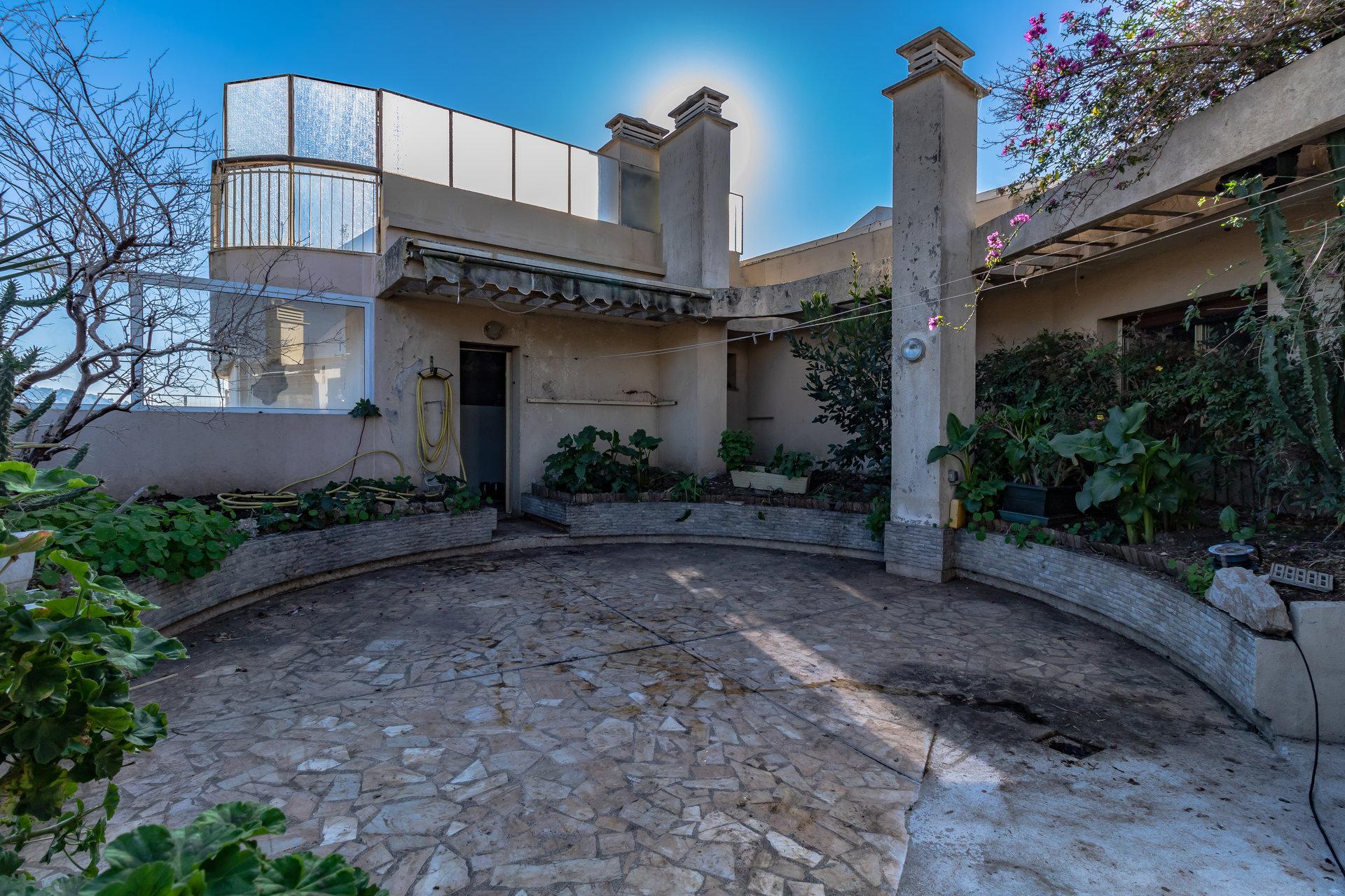 Villa toit Le Cannet 139m² terrasse,  cave, parking,  piscine