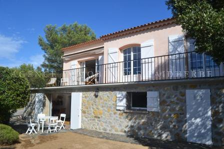 Provencal house with seaview