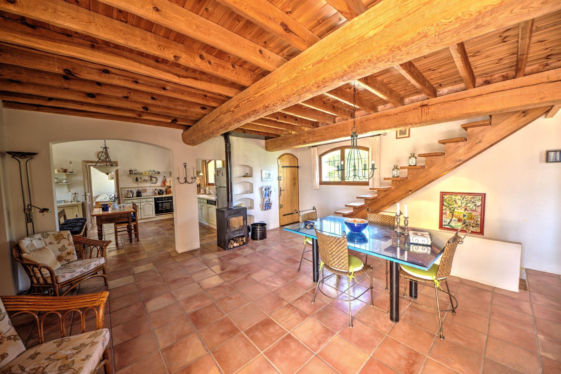 Living room Jolie villa of 180 sqm, three bedrooms, swimming pool, on 4000 m² closed, Tourtour, Var, Provence