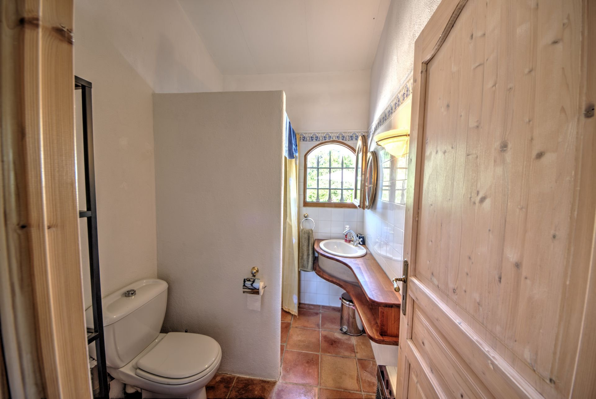 Shower ground floor level of Pretty villa of 180 sqm, three bedrooms, swimming pool, on 4000 m² closed, Tourtour, Var, Provence