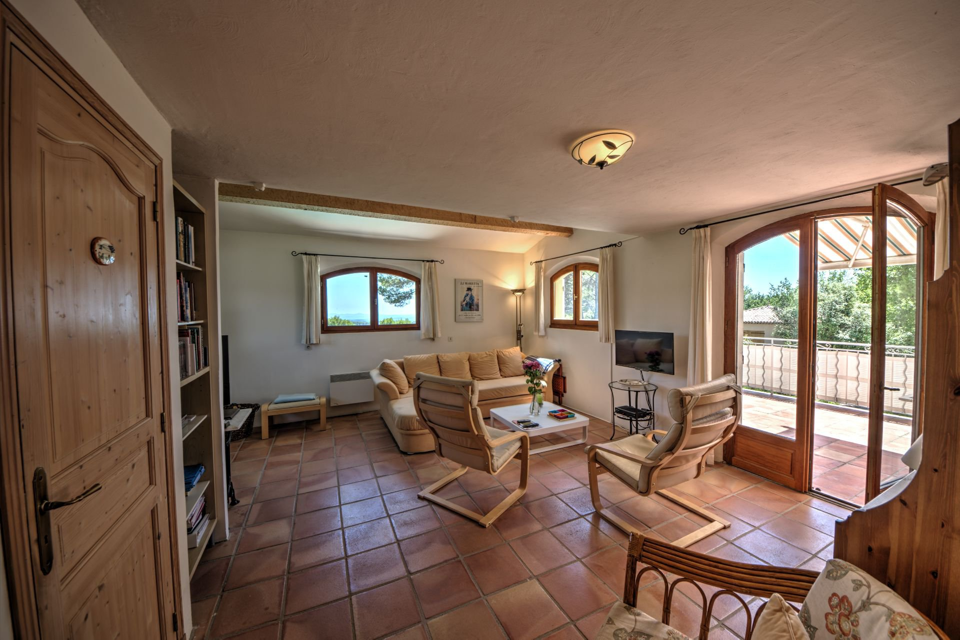 Small Living room Jolie villa of 180 sqm, three bedrooms, swimming pool, on 4000 m² closed, Tourtour, Var, Provence
