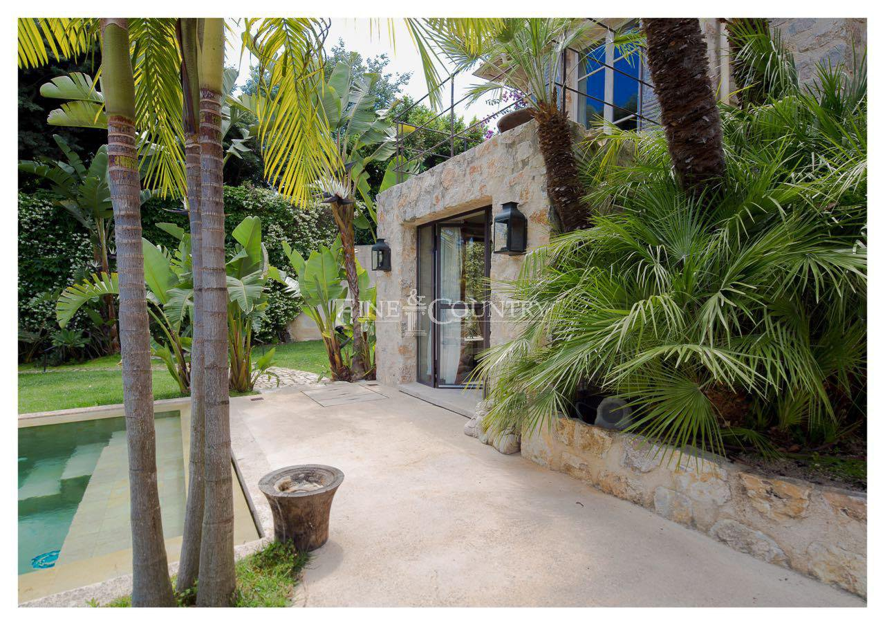 Villa for sale in Cannes