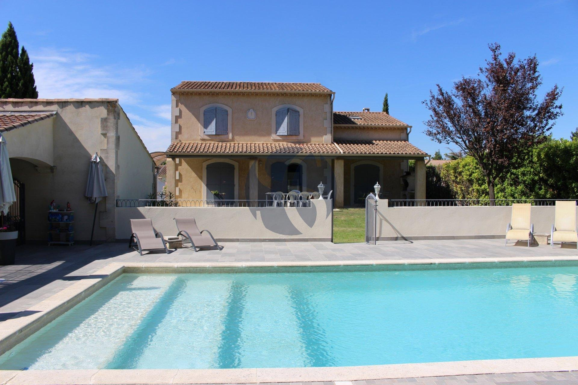 Provençal villa near Eygalières