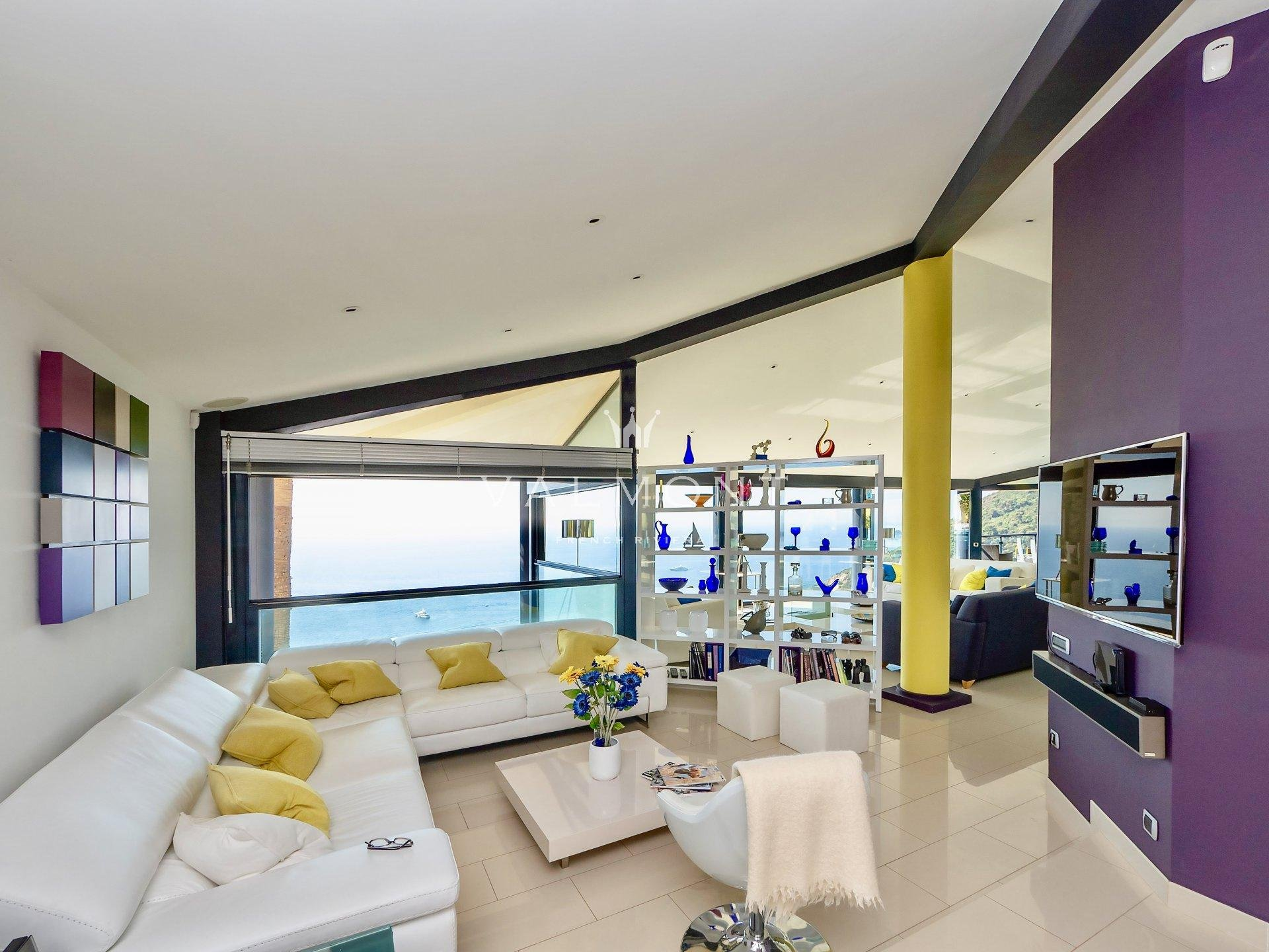 MODERN VILLA WITH PANORAMIC SEA VIEW