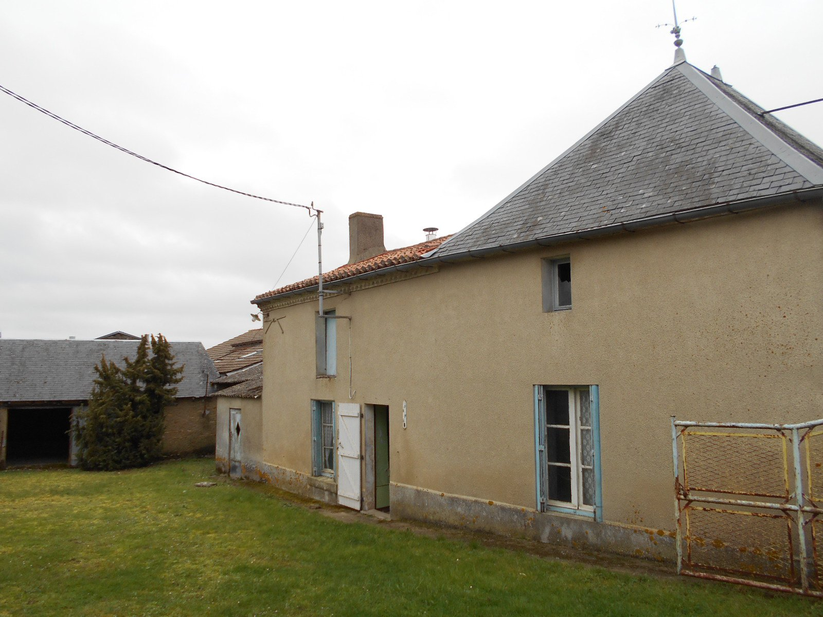 Sale House - Saint-Jouin-de-Marnes