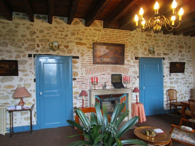 Te koop Bourgogne 58 groot huis met terrein schuur