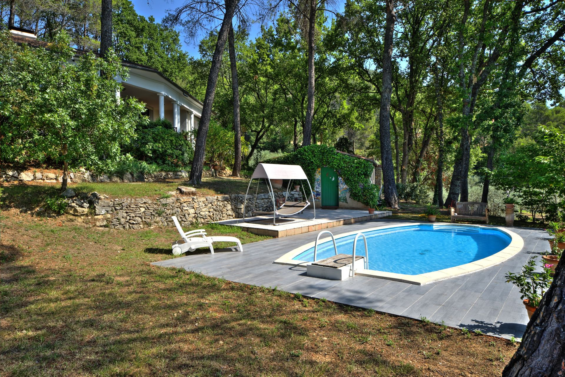 Architect house with pool - a paradise in Provence - High quality benefits
