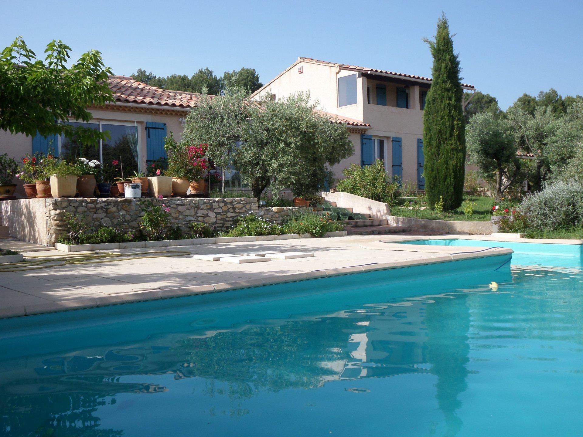 Lambesc - Villa de 185 m² sur 4000 m² de terrain