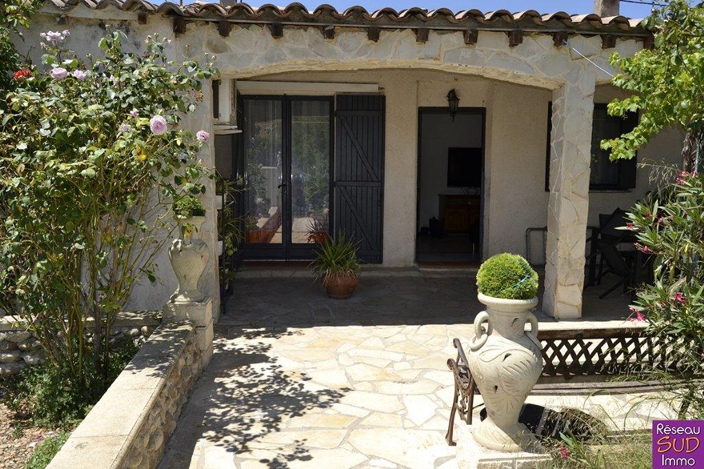 Villa 3 faces plain-pied T4 jardin garage dépendance