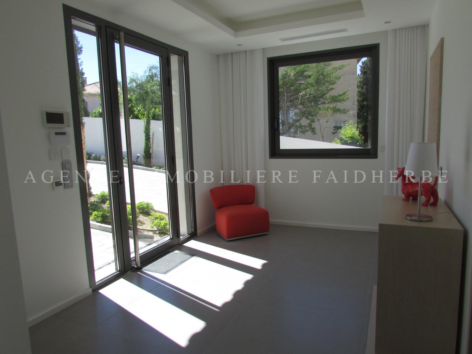 200 m vom Place des Lices entfernt, Villa von ca. 324 m2
