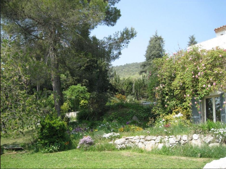 BEAUTIFUL PROVENCAL VILLA MOUNTAIN VIEW UNTIL THE SEA