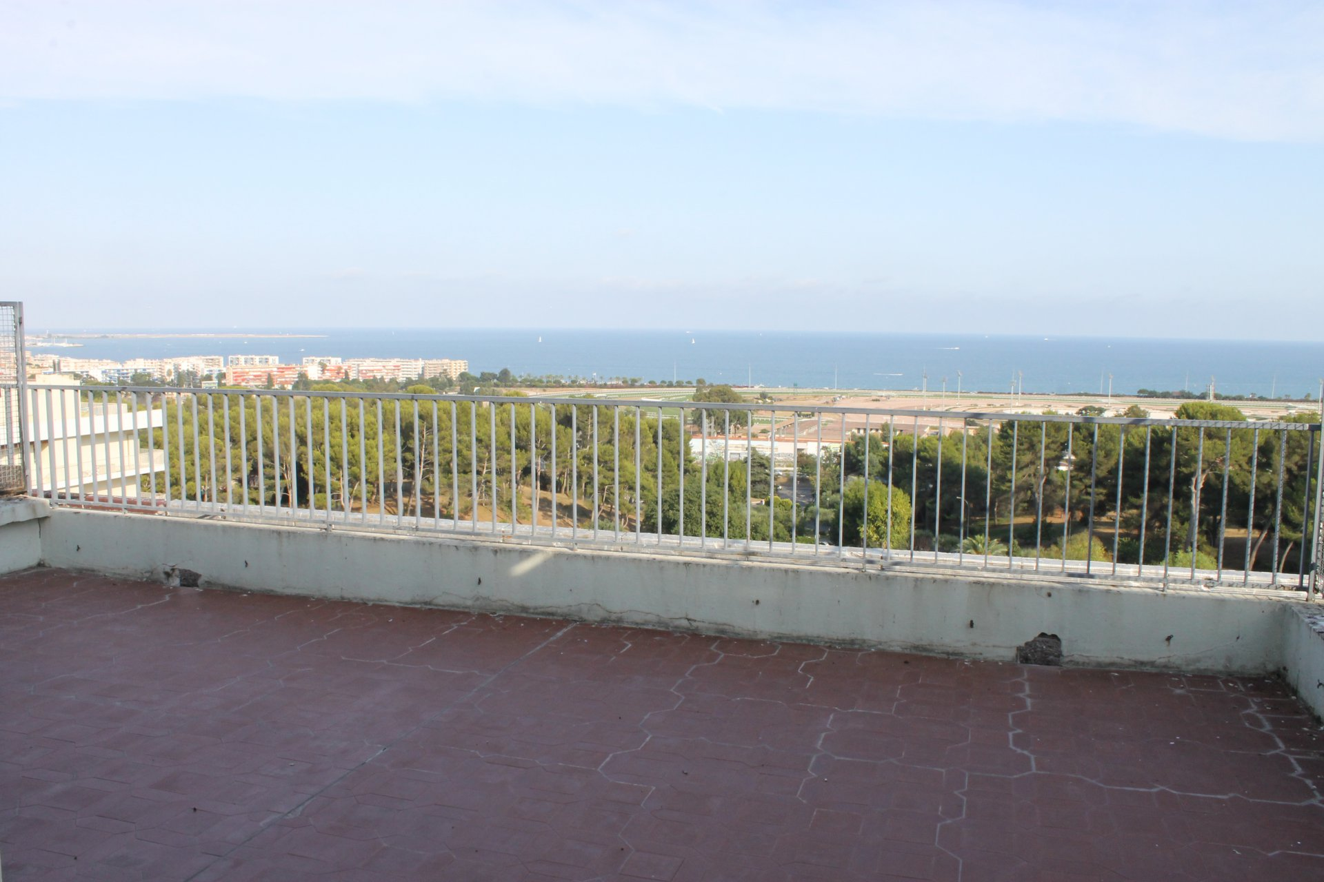 Cagnes sur mer: 4P en Toit Terrasse au Domaine du Loup