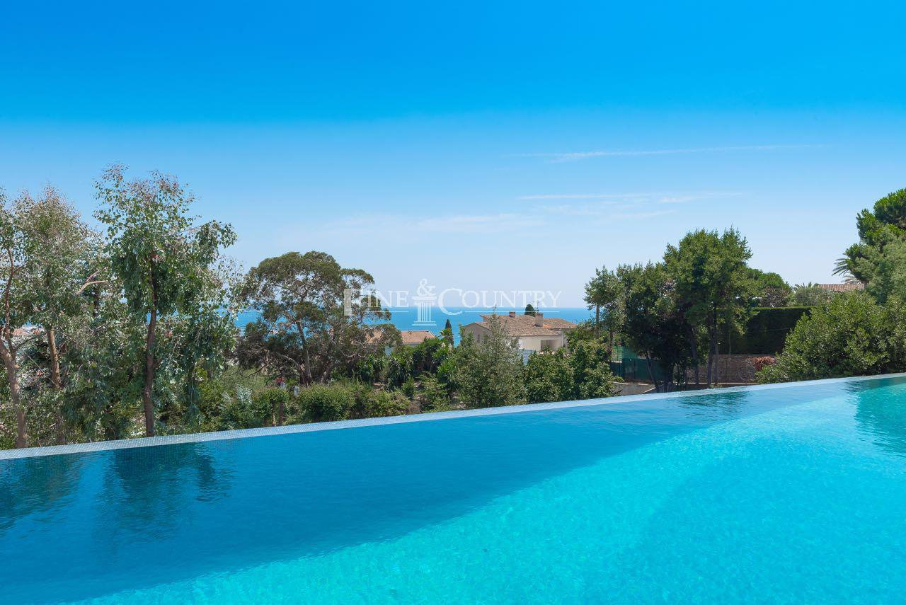 Luxury Villa for sale in Cannes, Cote d'Azur, France