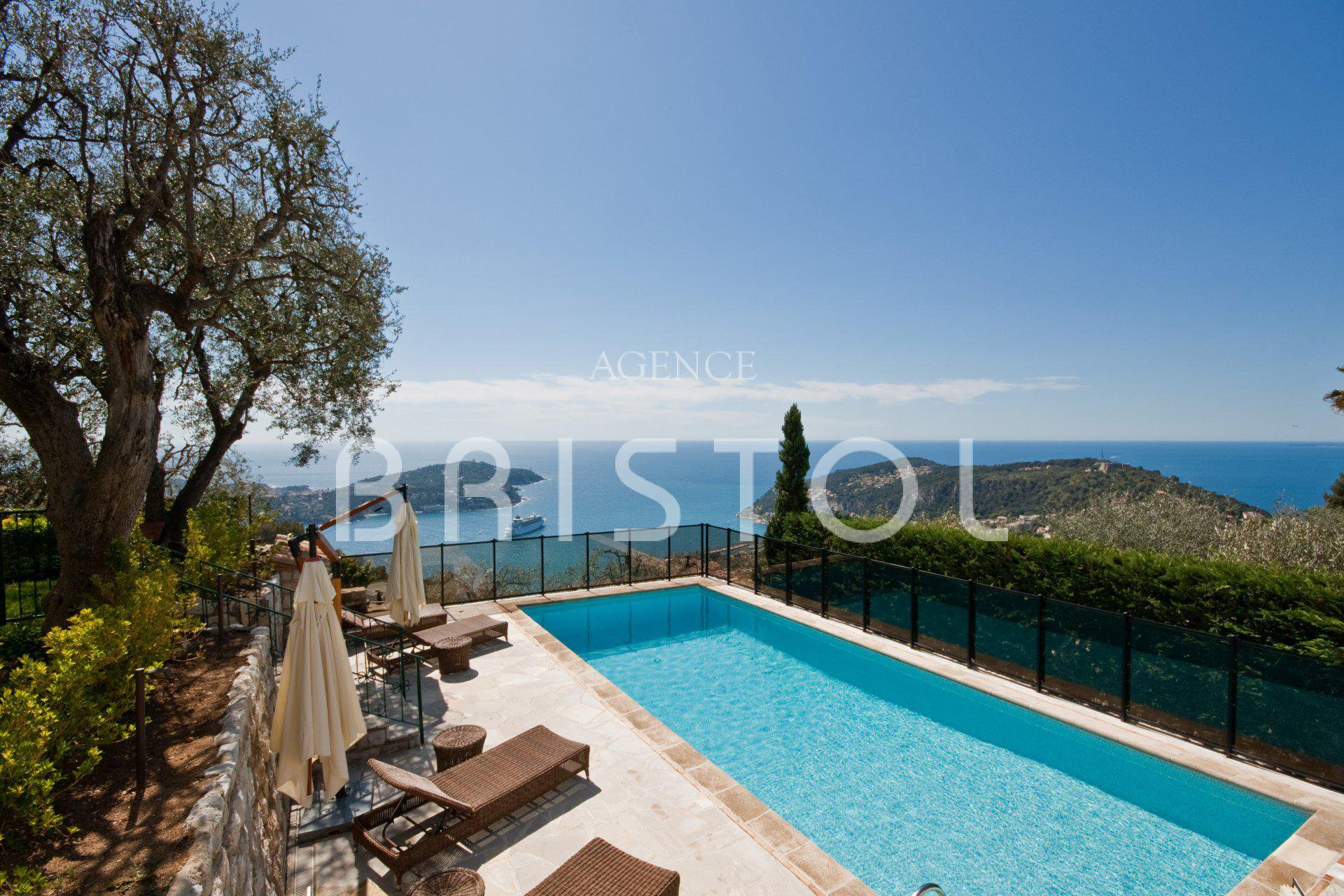 property for sale in Villefranche sur mer with  panoramic sea view very quiet