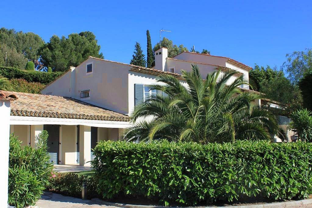 Beautifully Renovated Provencal Property - MOUGINS