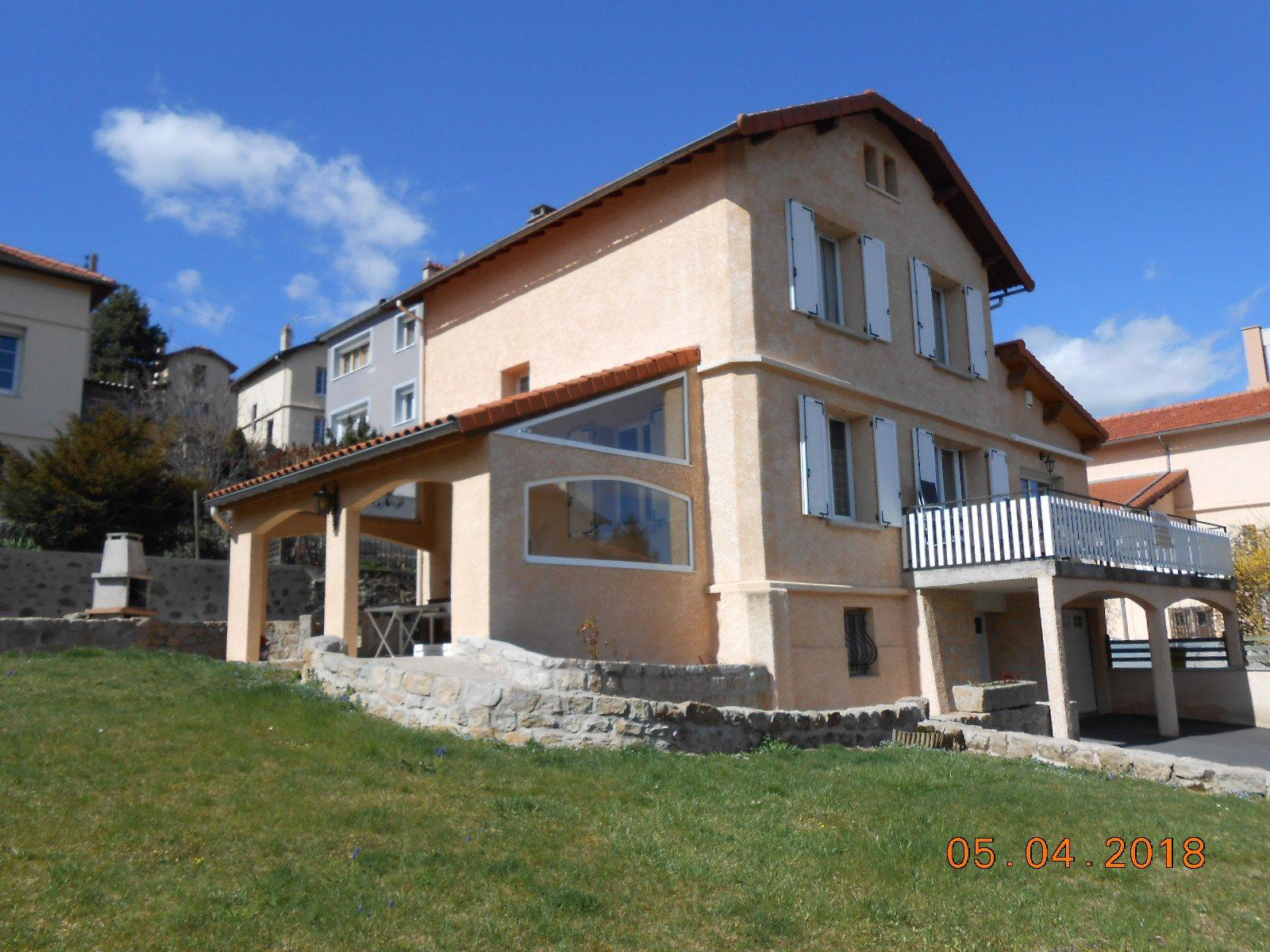 Sale House - Vals Pres Le Puy