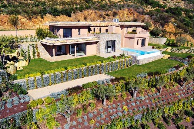 Sale Villa - Grimaud - France