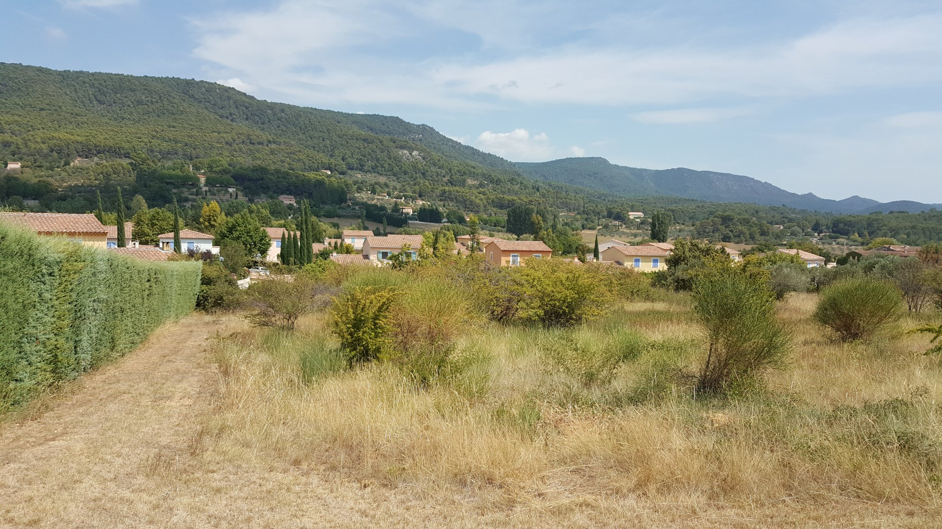 Nice land  1874m² overhanging view near the village