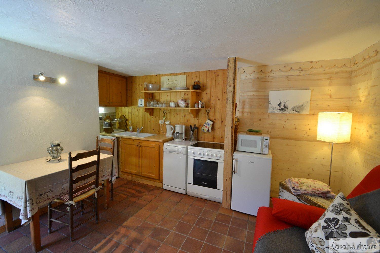 Chaleureux chalet avec studio– Courchevel Village