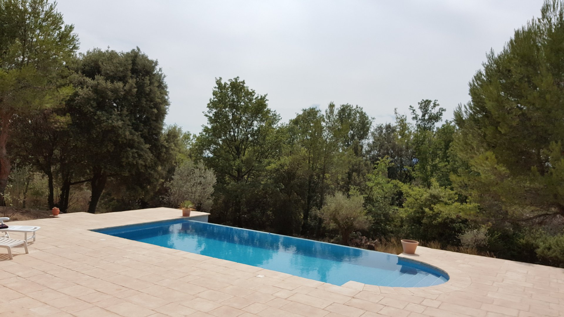 NEW Modern house 149 m² + Pool + garage & Bastidon