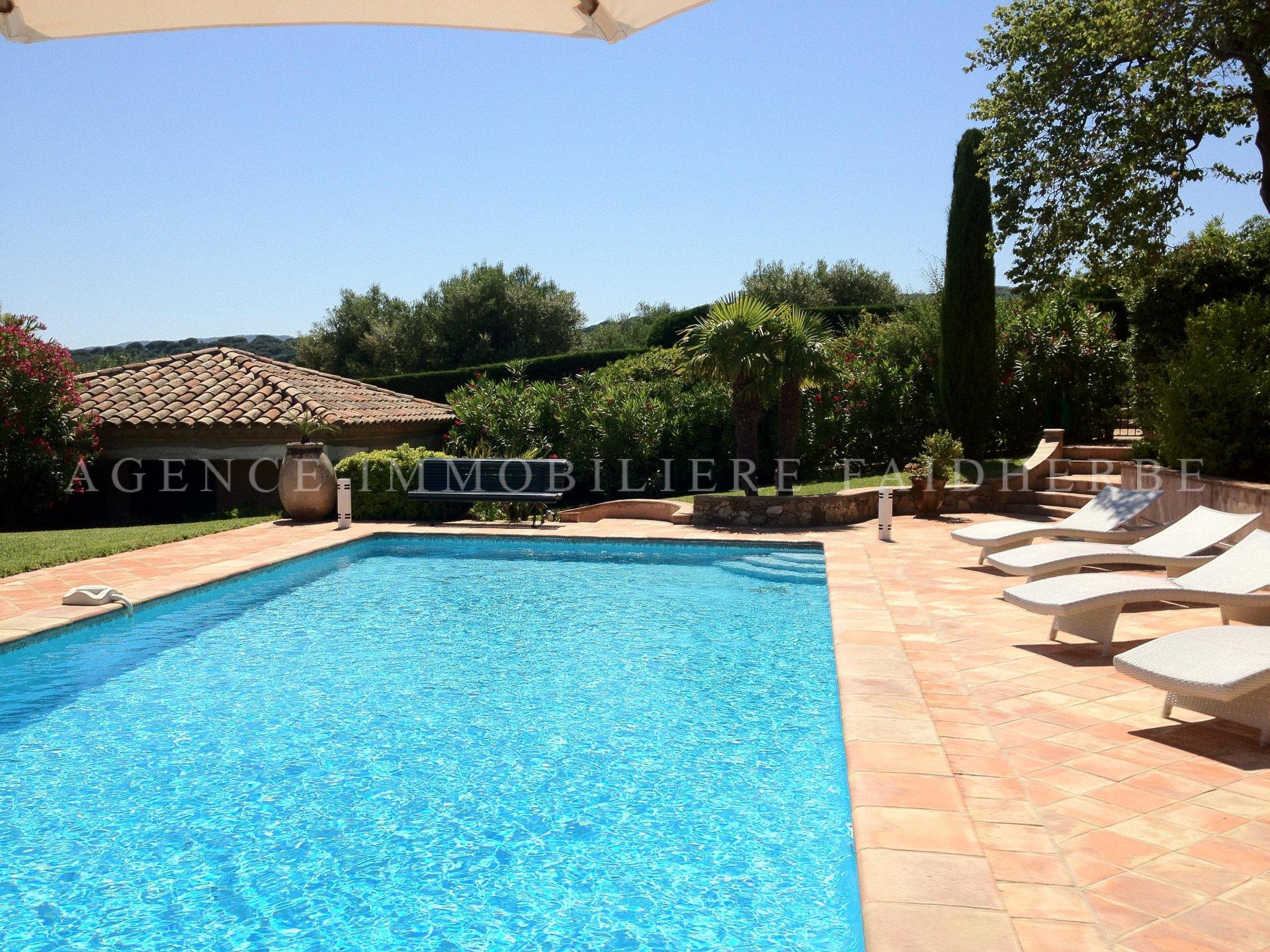 Route des plages, villa provenzale con vista mare
