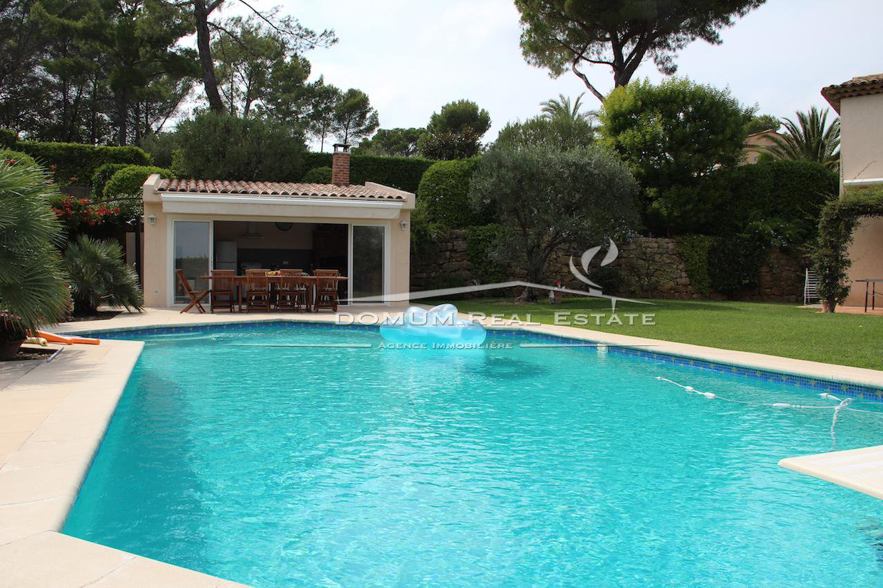 BEAUTIFUL PROVENCAL VILLA in Mougins