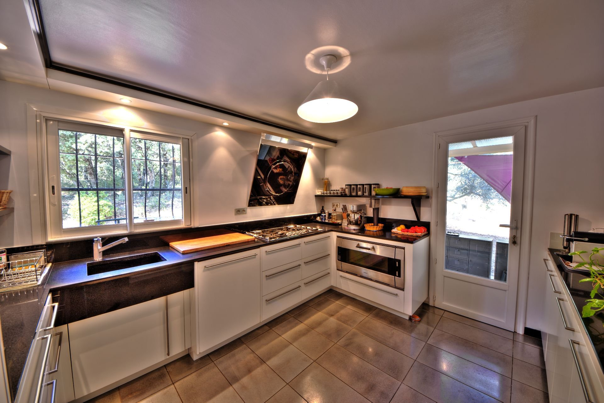 200 m² living room kitchen, 4 bedrooms, outbuilding on 8000 m² agricultural area, Ampus, Var, Provence, Paca