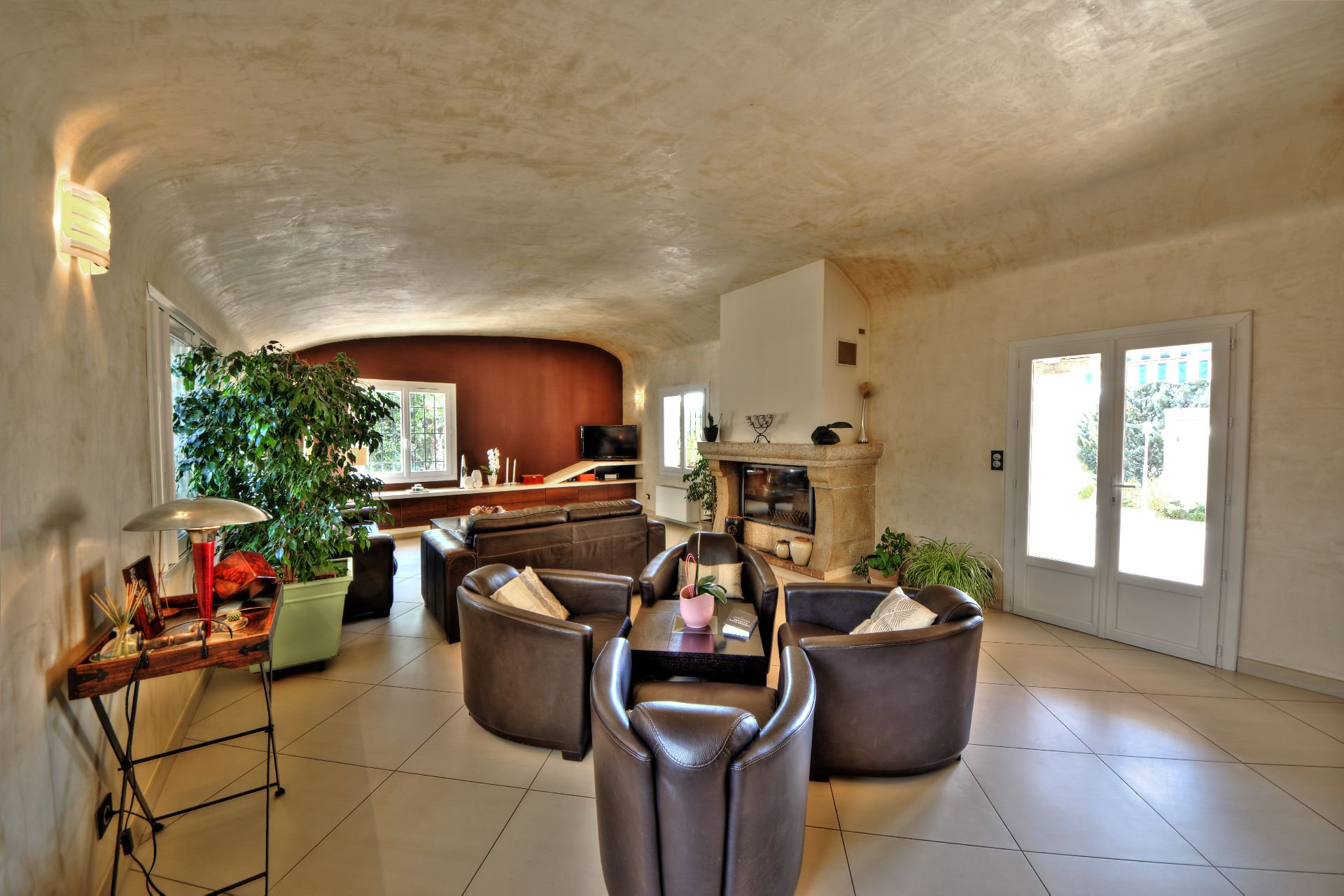 Living House 200 m², 4 bedrooms, outbuilding on 8000 m² agricultural area, Ampus, Var, Provence, Paca