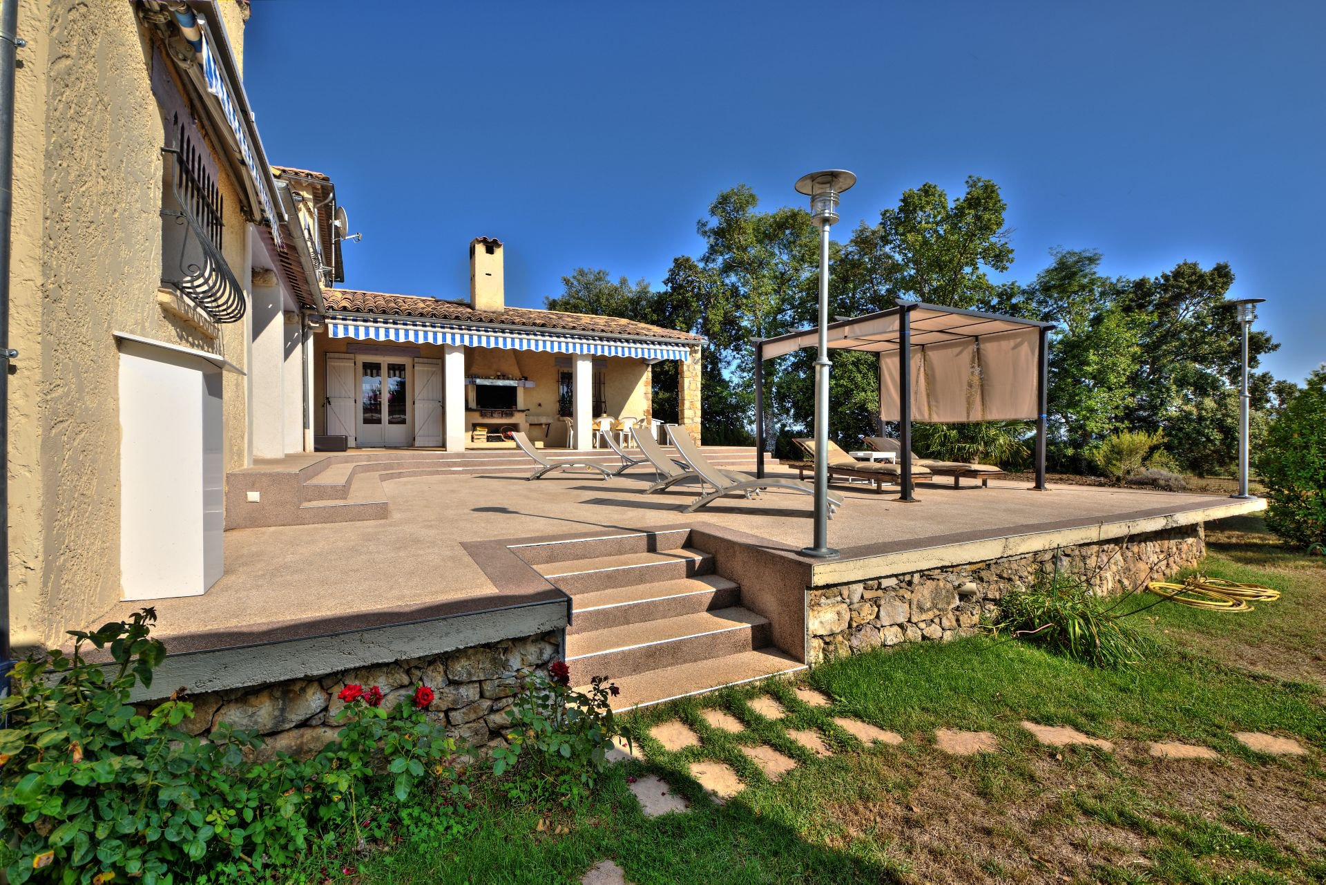 Terrace House 200 m², 4 bedrooms, outbuilding on 8000 m² agricultural area, Ampus, Var, Provence, Paca