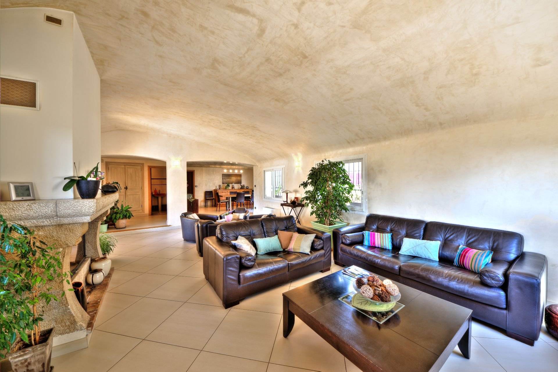 living room 200 sqm living room, 4 bedrooms, outbuilding on 8000 m² agricultural area, Ampus, Var, Provence, Paca