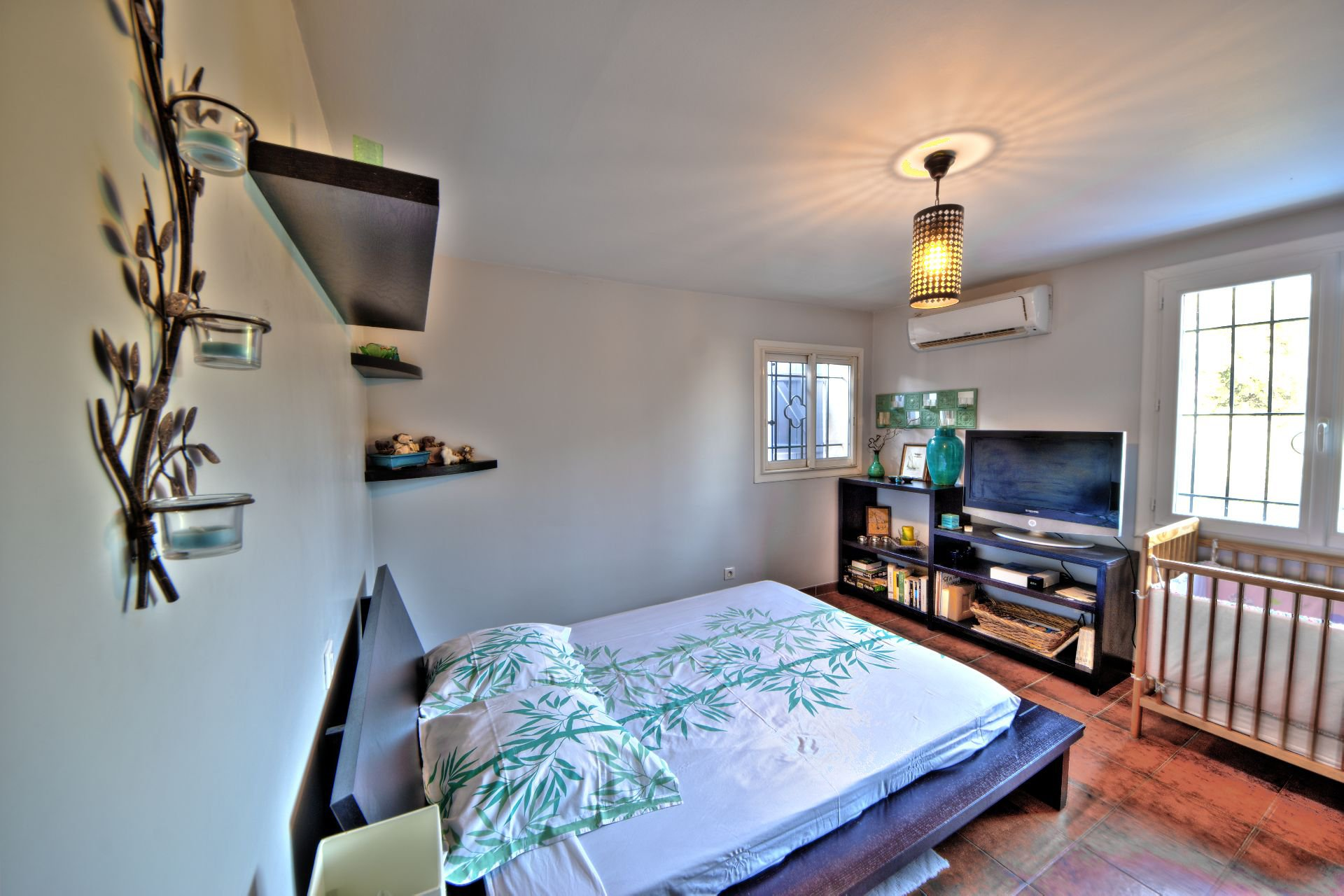 2 bedroom 1st floor living room 200 sqm, 4 bedrooms, outbuilding on 8000 m² agricultural area, Ampus, Var, Provence, Paca