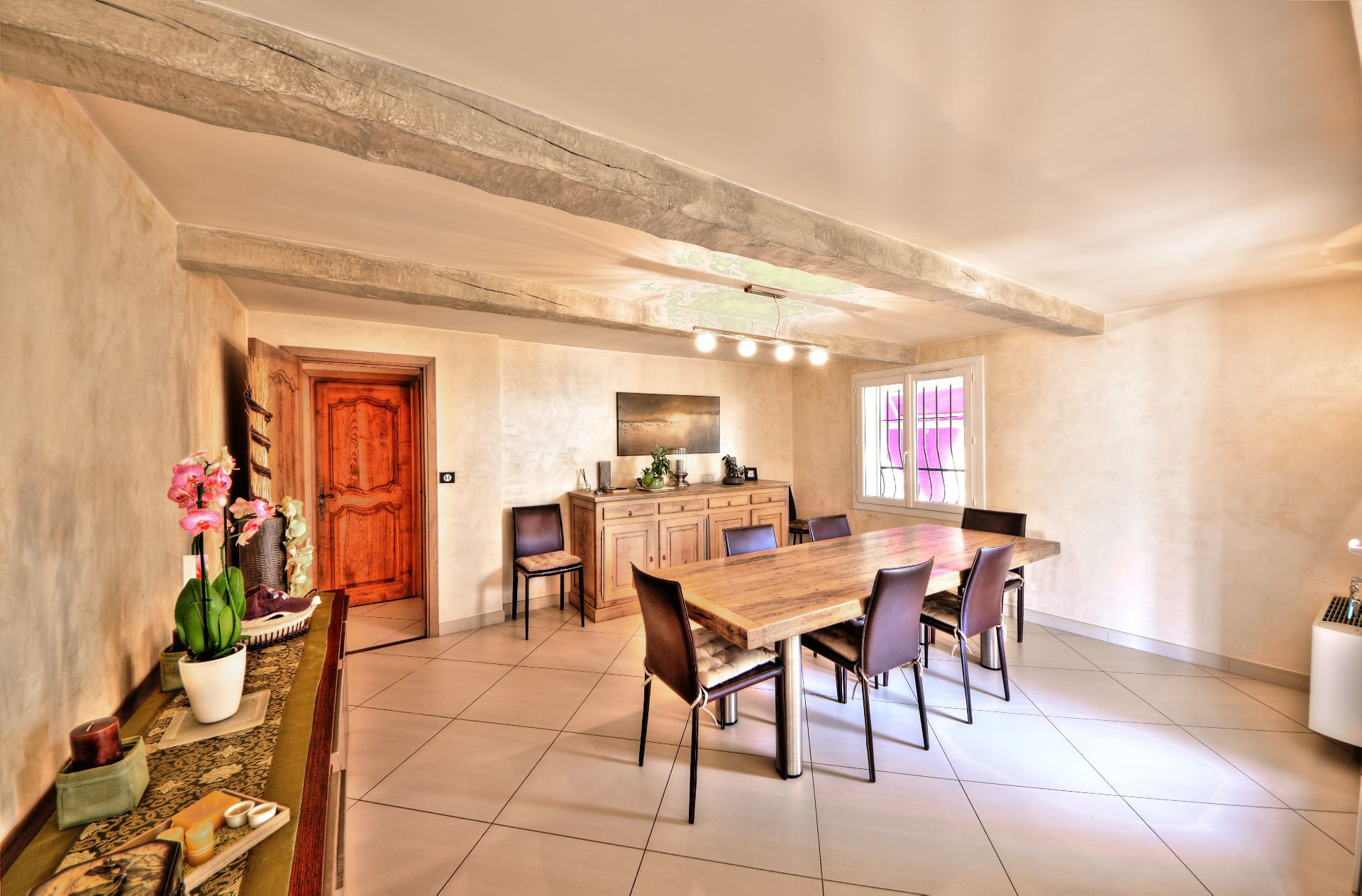 Dining room house 200 m², 4 bedrooms, outbuilding on 8000 m² agricultural area, Ampus, Var, Provence, Paca