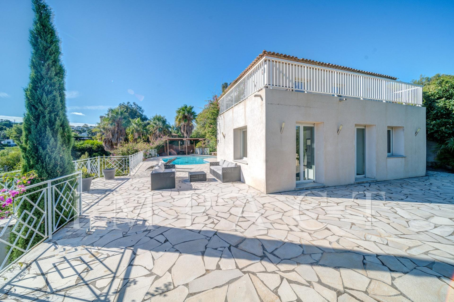 Nice Villa Renovated  with  Sea View on the hill of Cannes
