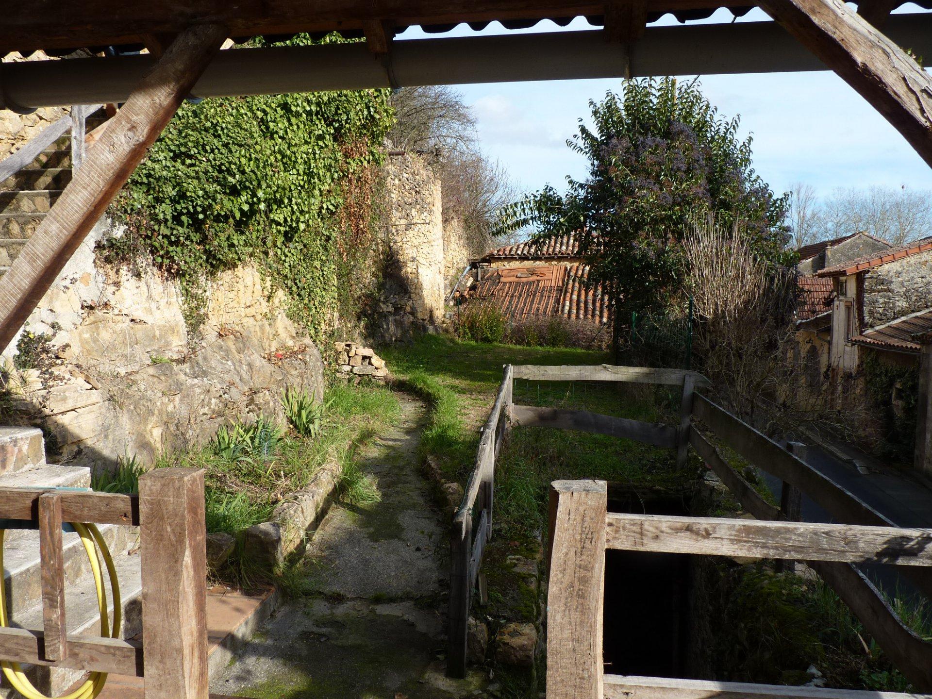 Close to Aurignac, village house 117 sqm with 561 sqm garden