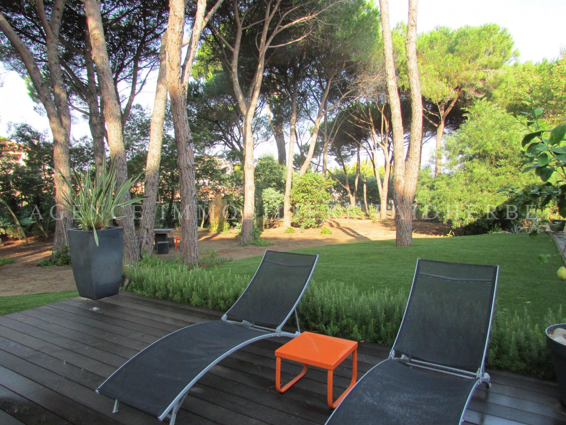 A la Bouillabaisse, Villa con piscina