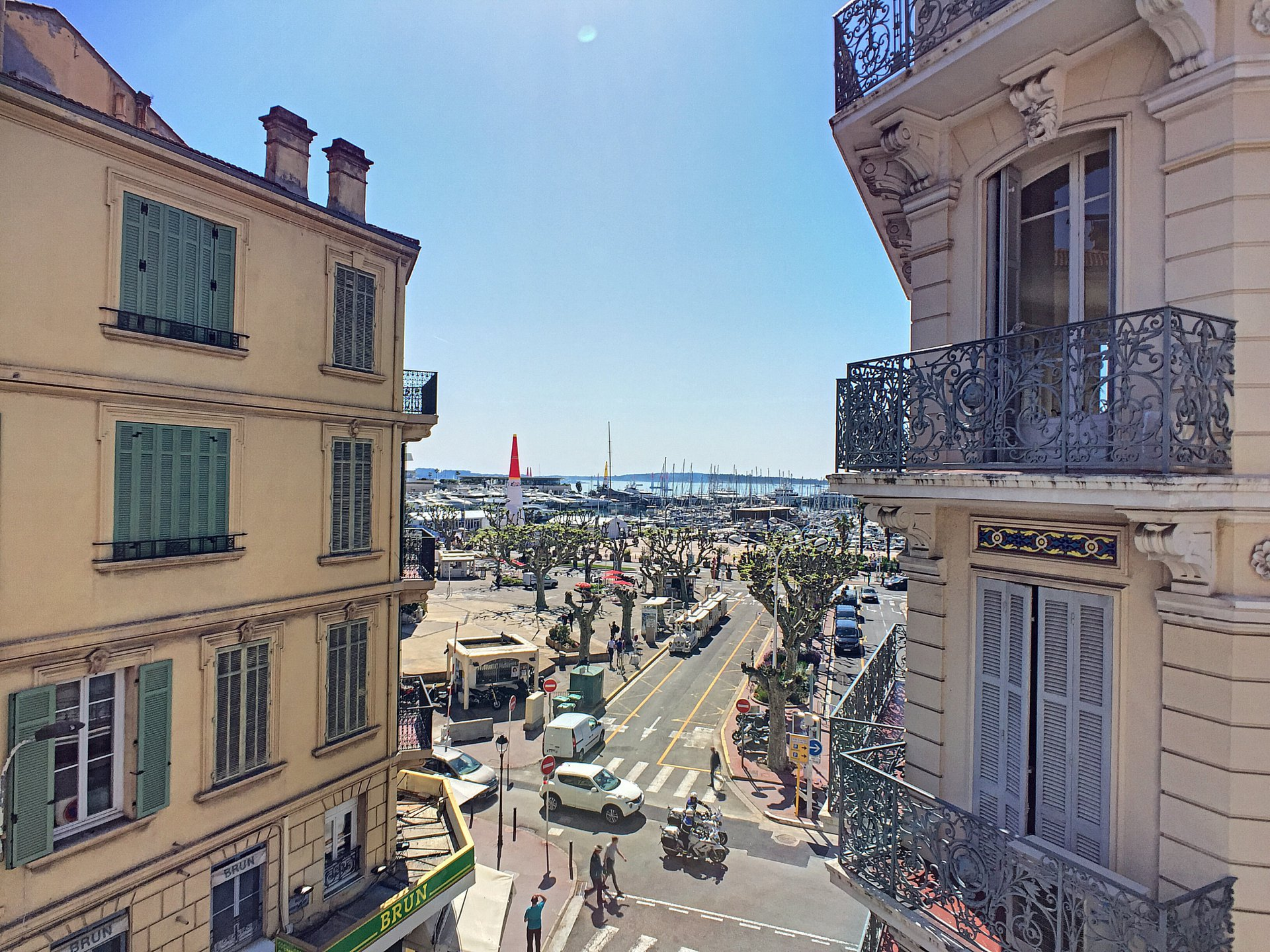 Cannes - Old harbor : 3 rooms with balcony near Palais des Festivals