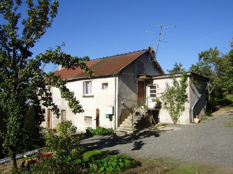 Little house for a small price in Burgundy