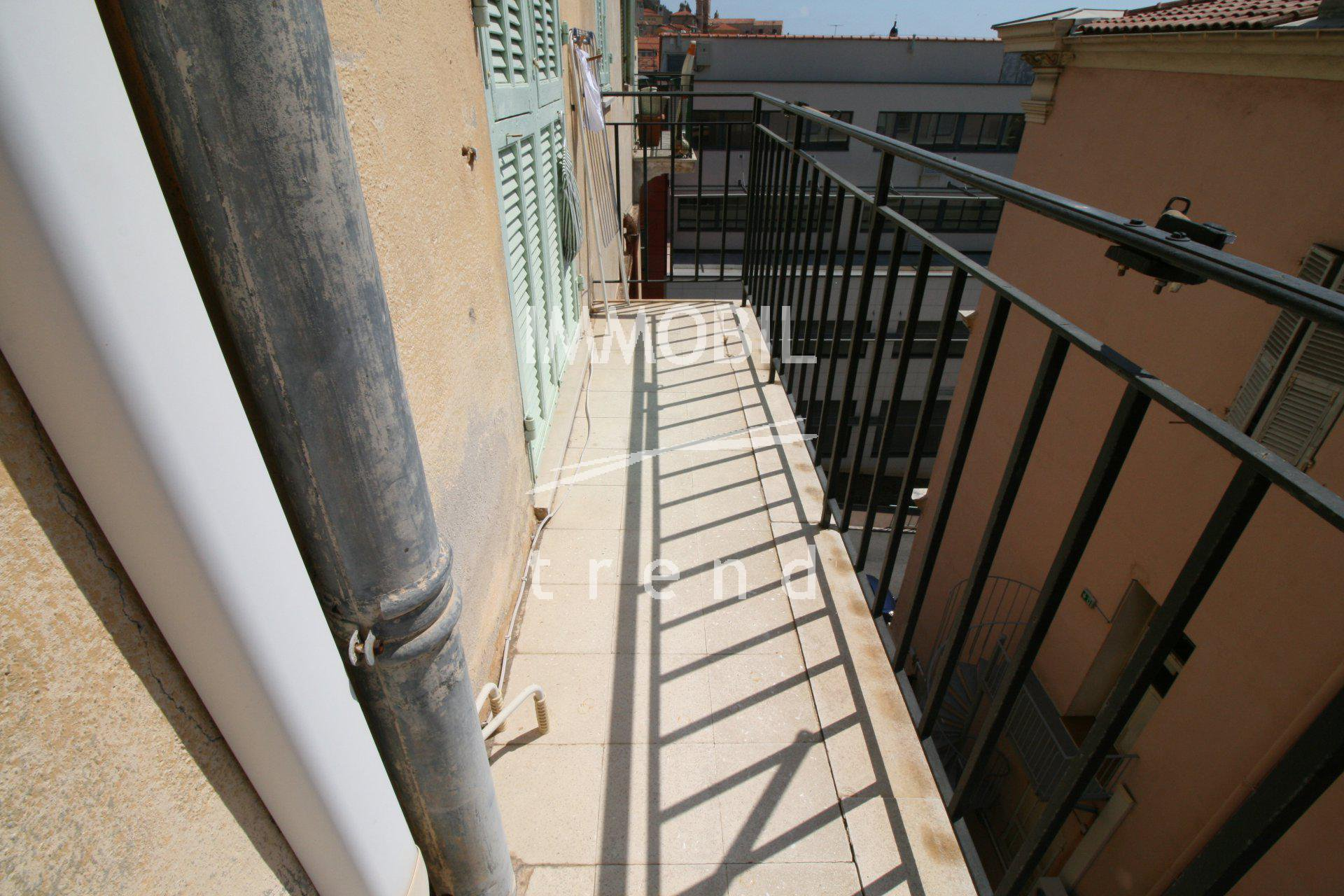 Menton town 1 bedroom apartment with Balcony